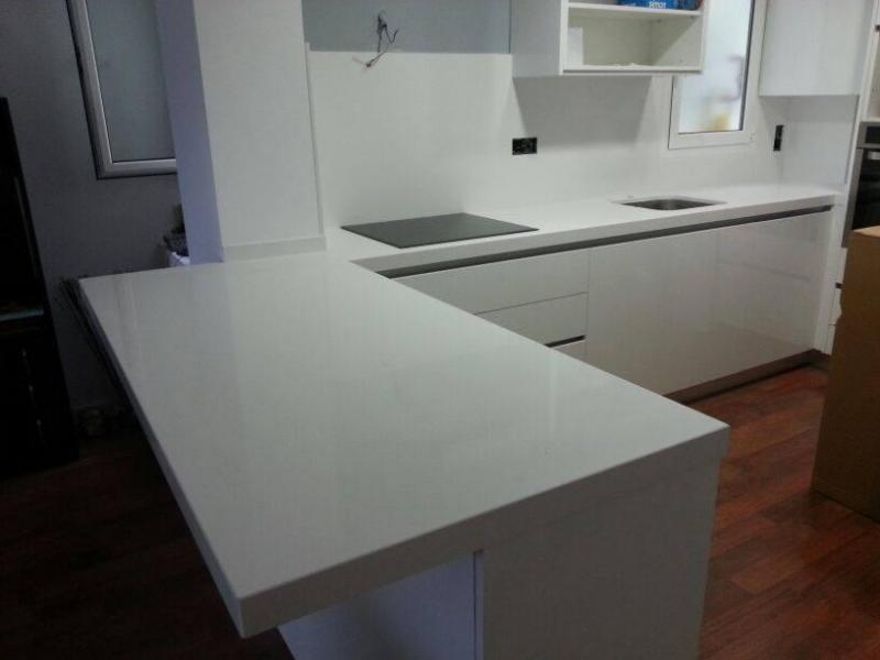 Anelgodi s l fotos de encimeras cocina y ba o - Mesas de cocina de silestone ...